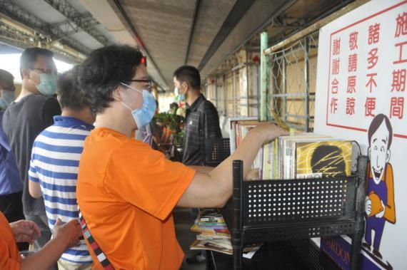 建國科大響應漂書活動 教師節師生捐書做公益-公益